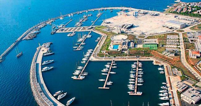Yeni Foça Limanı