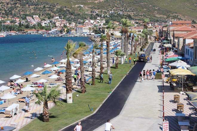 yeni foça halk plajı